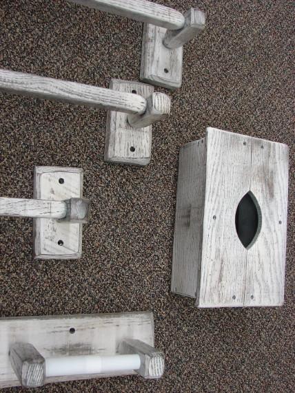 Distressed Reclaimed White Barn Wood Amish Oak Toilet Tissue Holder, Moose-R-Us.Com Log Cabin Decor